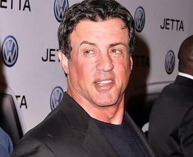 Sylvester Stallone yüzünün sol alt kısmı