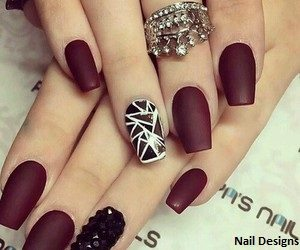 How about a matte nail design? Dark brow