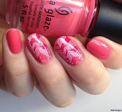 Very simple nail design. Pink nail polis