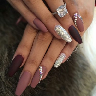 The shades of brown are beautiful! This nail desig