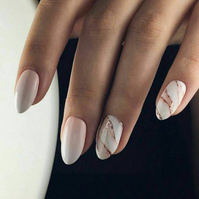 Ideal nail design for guests. Chic and white! #nai