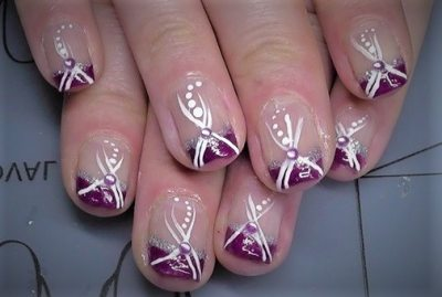 Purple and white nail design. Simple and multicolo