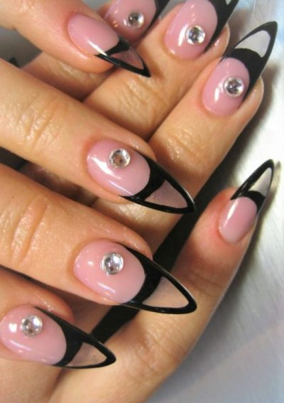 Special nail design for special occasions. Wouldn'